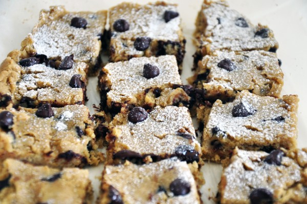 Chocolate_Chip_Blondies.jpg_4