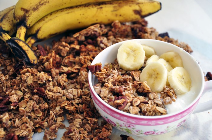 Easy Cinnamon Banana Nut Granola (Clean)