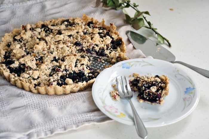 Rustic Blueberry Tart with an Oat Crust (Clean)
