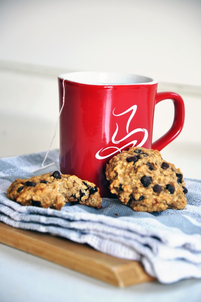 Banana Chocolate Chip Oatmeal Cookies (Clean)