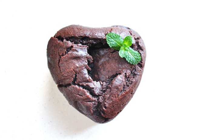 Mini Valentine's Chocolate Cake (Cheat)